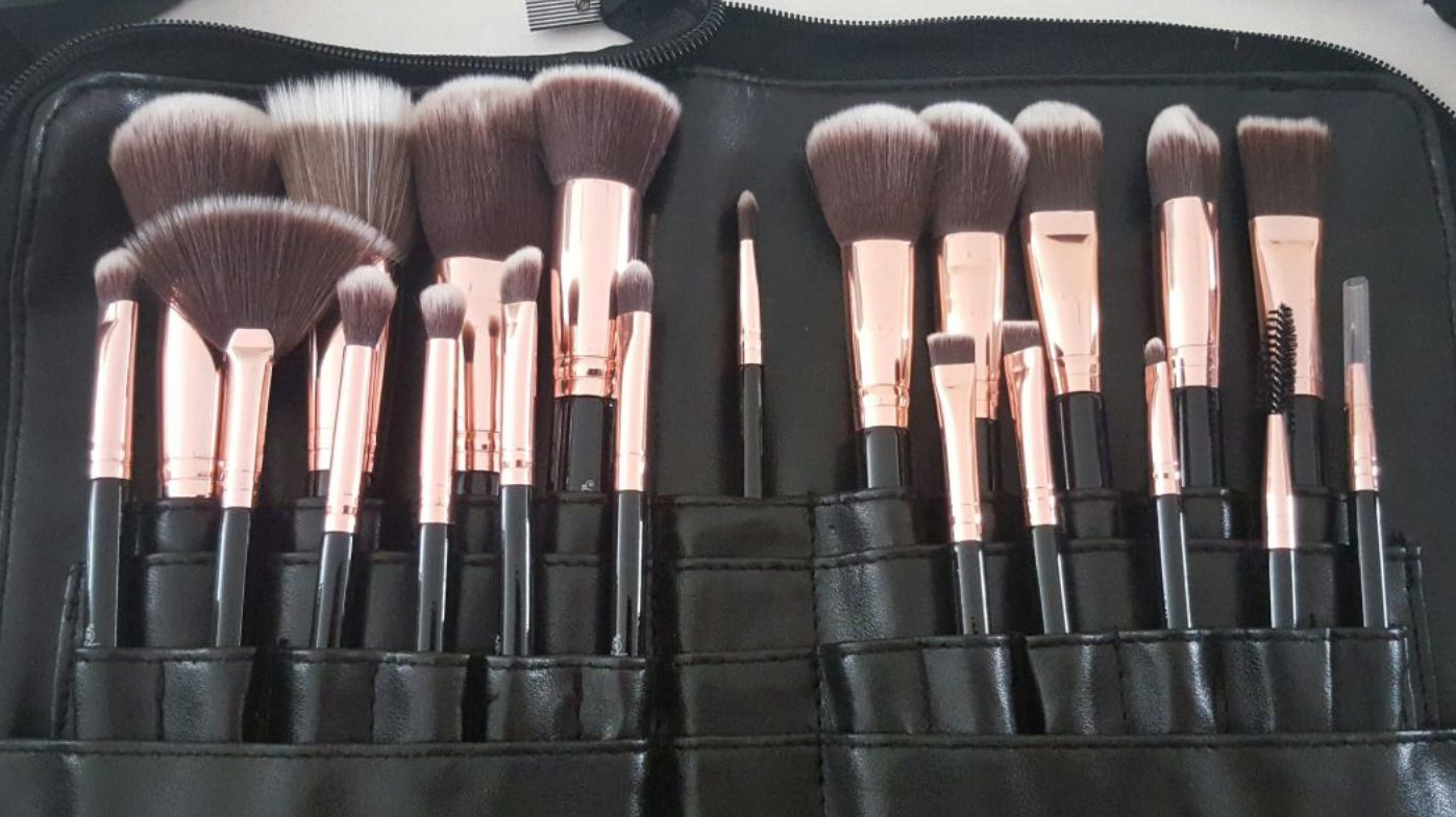 21 Piece Professional Make Up Brush Set with Brush Belt